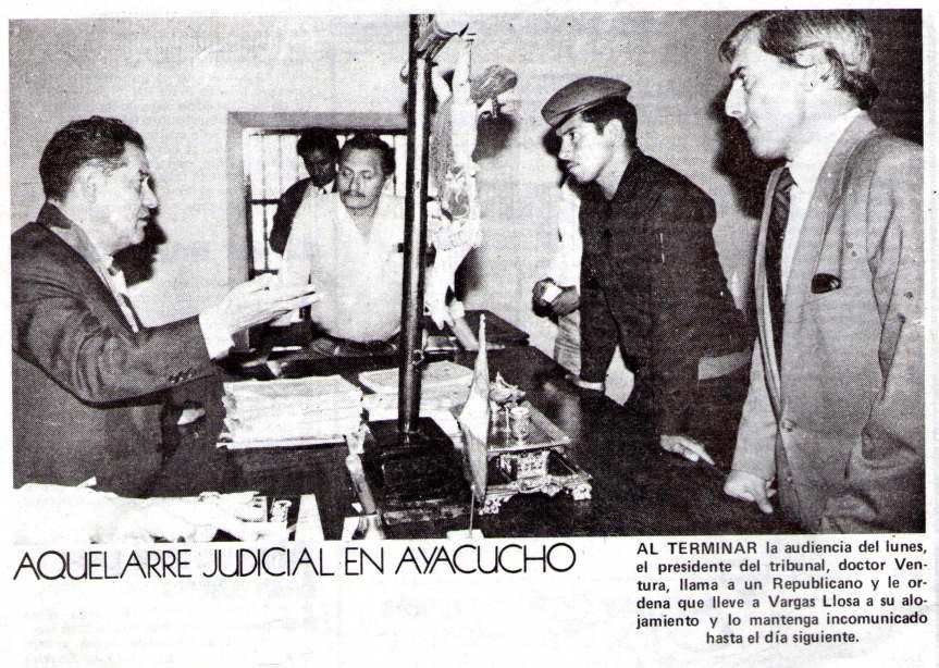 El Juez envía a su cuarto al escritor bajo la vigilancia de un Guardia (foto: revista OIGA)