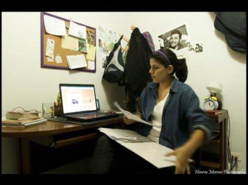Lorena Chauca en su rincón de trabajo