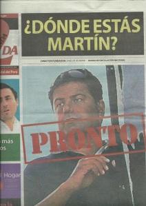 """Cada día, """"La Primera"""" de José Lolas amenaza a la familia del diario rival con esta foto a toda página."""